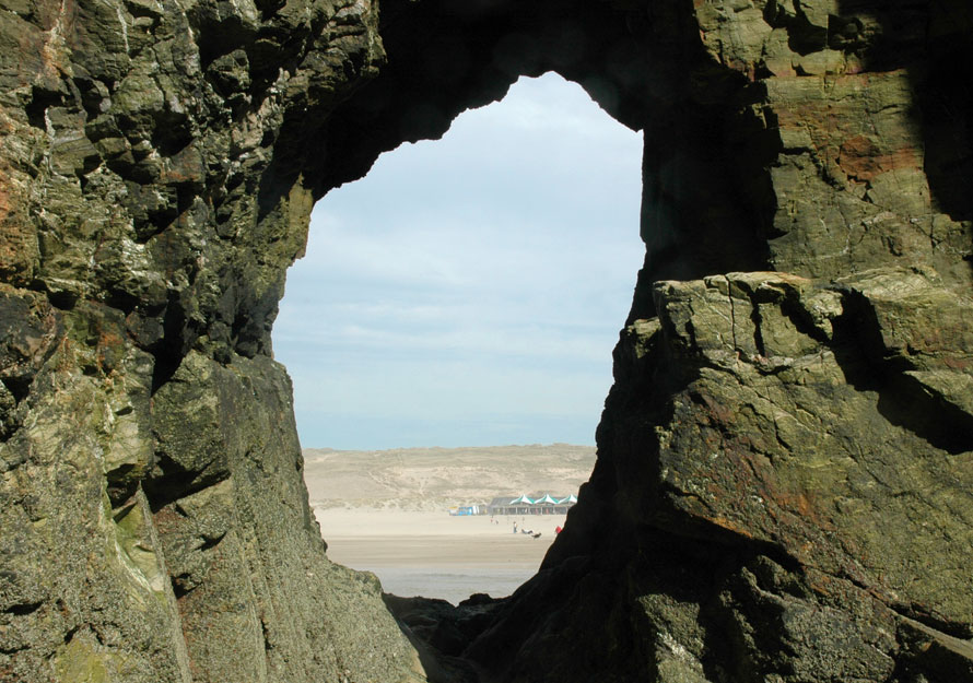 perranporth_rock_hole