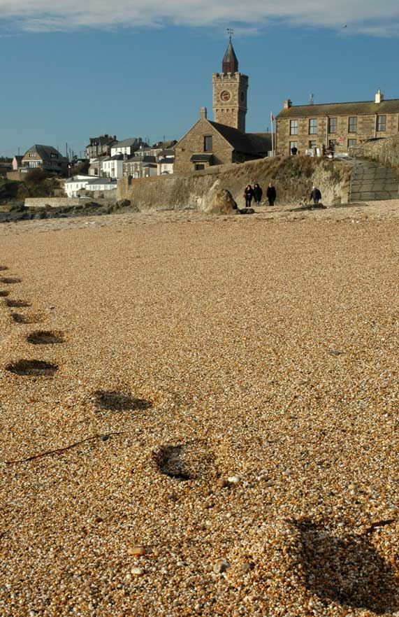 porthleven-beach-footprints